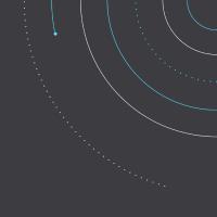 Cercles tracés sur fond gris foncé.